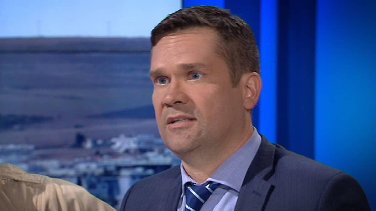 Ulkopoliittiseninstituutin ohjelmajohtaja Mika Aaltola A-studiossa.