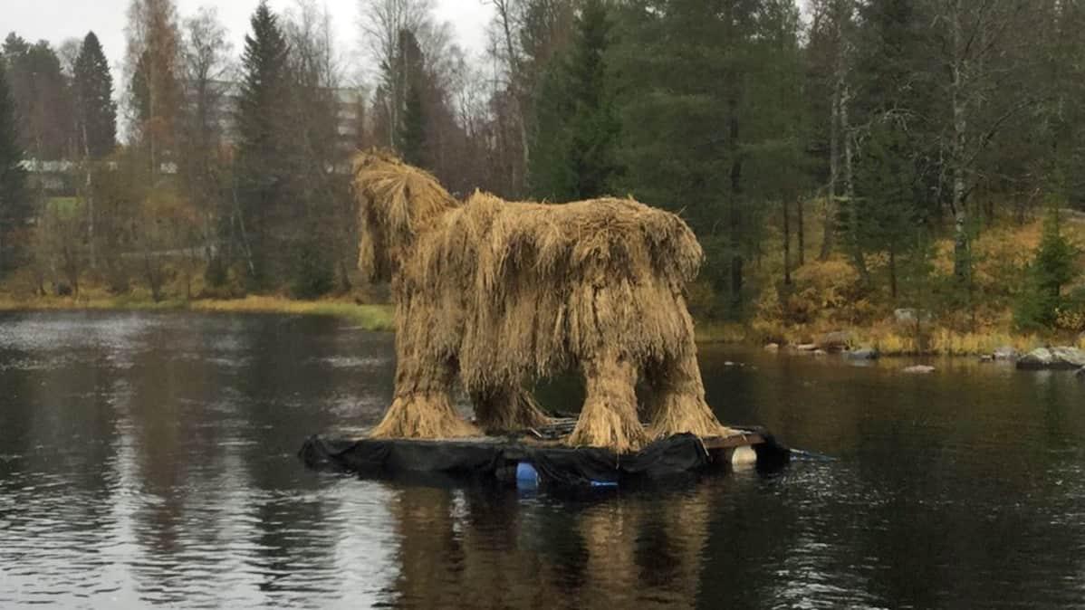 Kekripukki Kajaaninjoessa.
