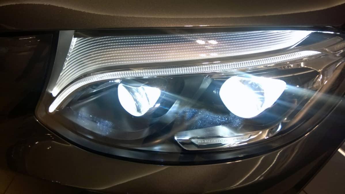 Uusissa autoissa led-valot yleistyvät kovaa tahtia.