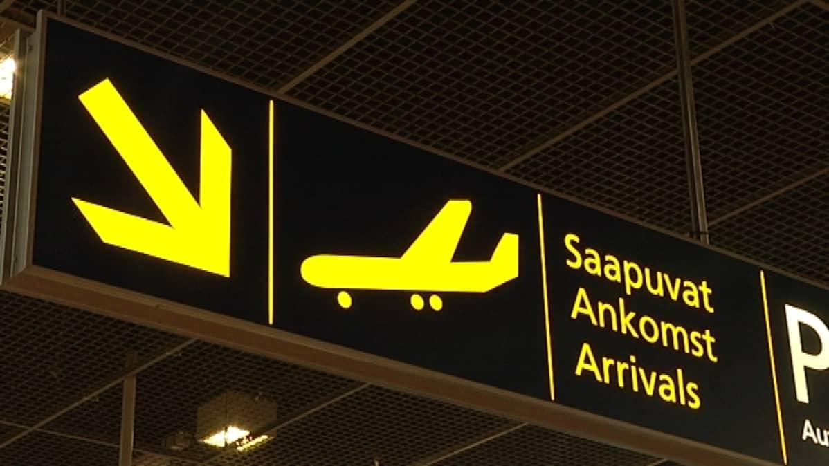 Lentoaseman saapuvat-kyltti