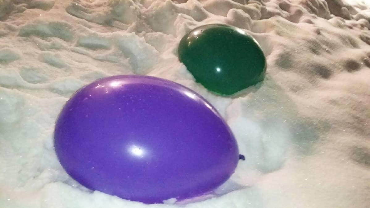 Jäälyhty ilmapalloista