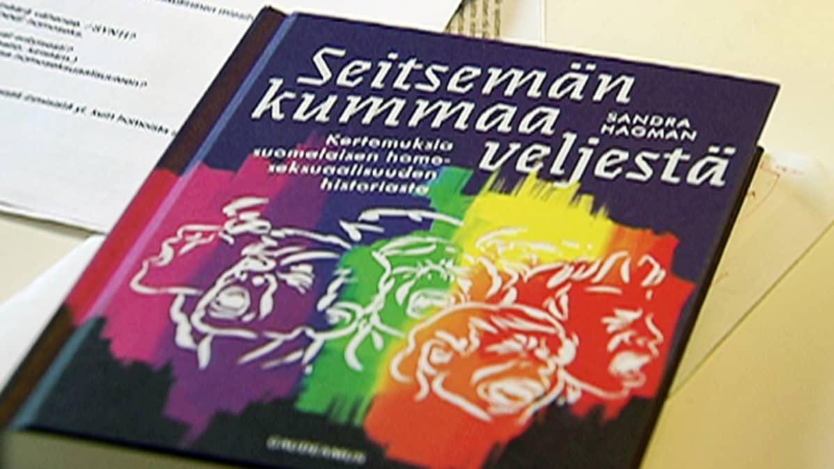 Historioitsija Sandra Hagmanin teos Seitsemän kummaa veljestä.