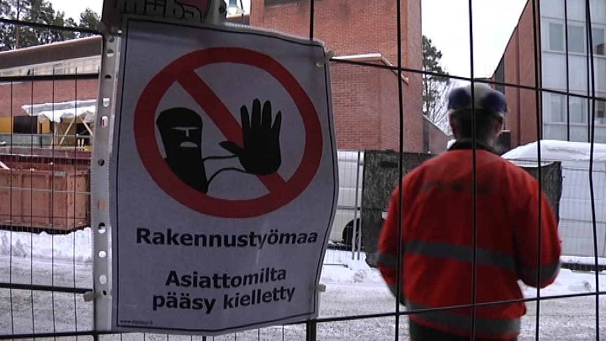 Jyväskylän yliopiston rakennus Ilokivi on remontissa.