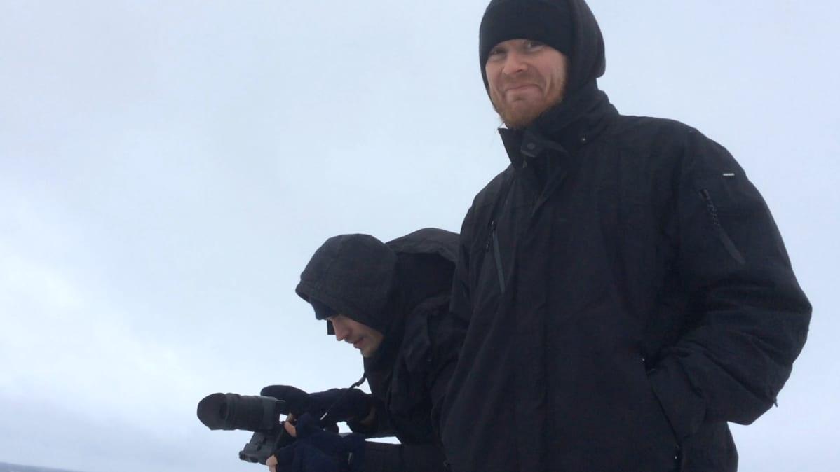Antti Hyyrynen musiikkivideon kuvauksissa