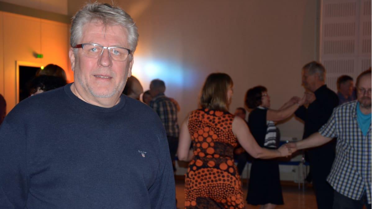 Arto Nuotio aikoo tuoda vanhan ajan tansseja Porin seudulle.