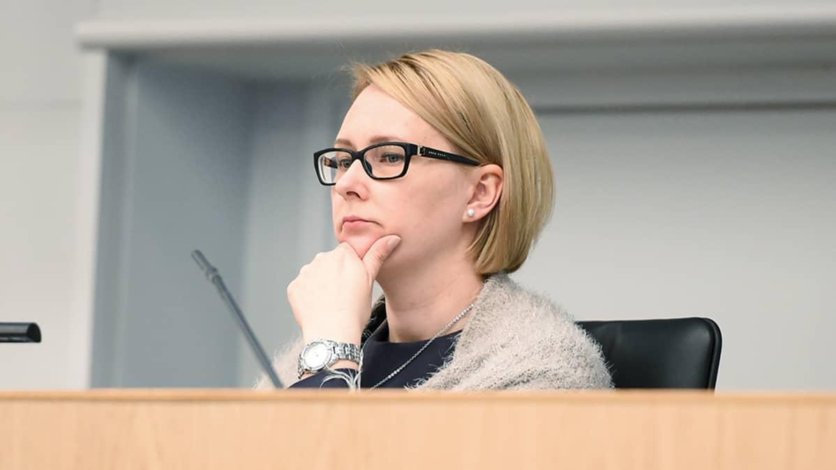 Mitä haluat kysyä eduskunnan puhemies Maria Lohelalta?   Yle