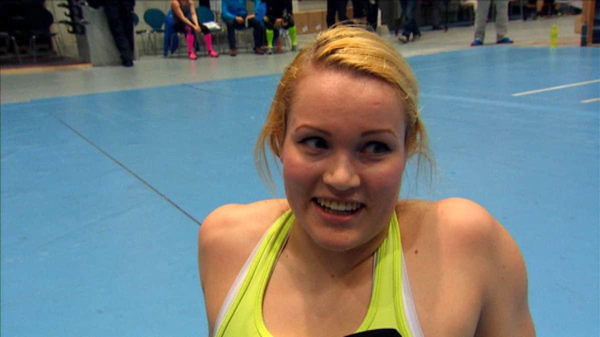 Anne-Elina Kinnunen Porin prikaatiista Säkylästä voitti ensimmäisen Military Cross Training –kisan naisten sarjan.