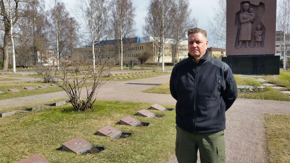 Mika Albertsson Lappeenrannan sankarihautausmaalla