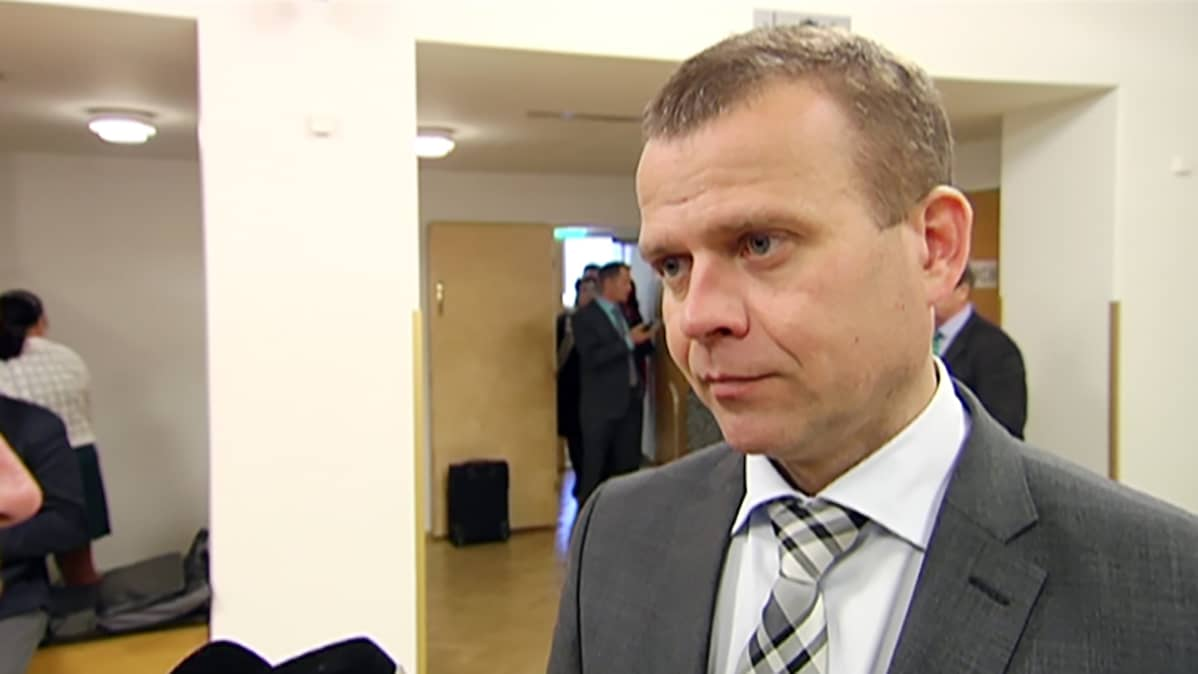 Sisäministeri Petteri Orpo (kok.)