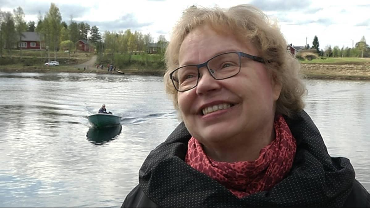 Luokanopettaja Helena Saija on opettanut Jakun koululla 30 vuotta.