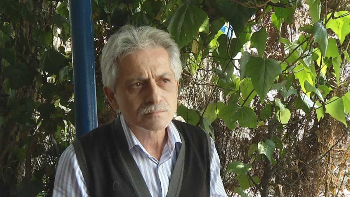 Mies teehuoneesa Mehmed Şafak