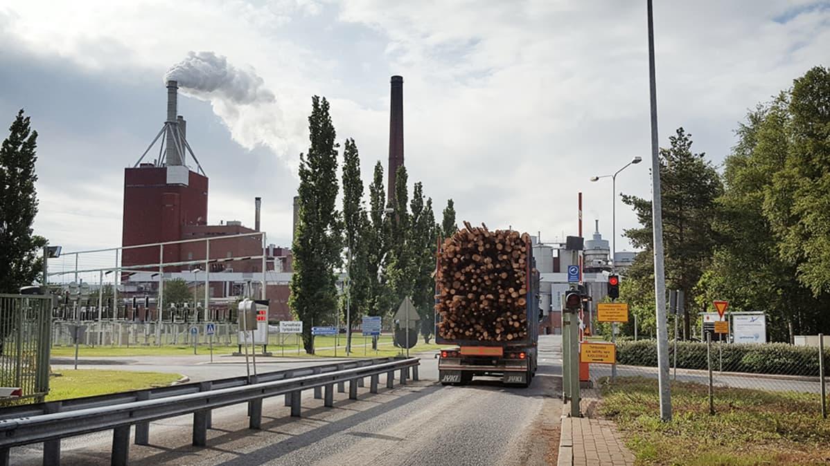 Nuottasaaren teollisuusalue Oulussa.