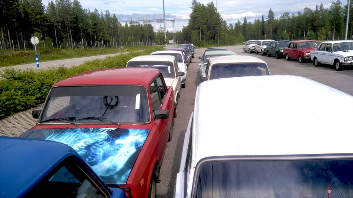 Turvapaikanhakijoiden Sallaan jättämät itä-autot, Salla