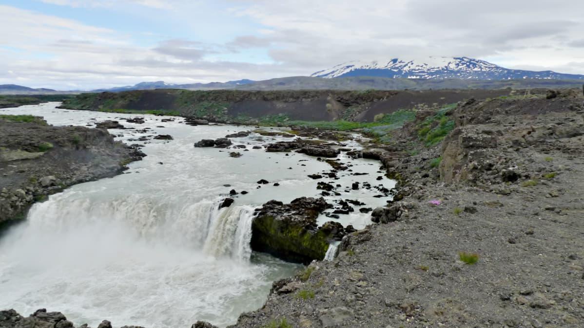 Rauhallinen Hekla voi muuttua puolessa tunnissa.