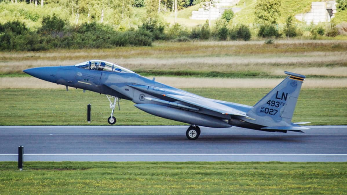 F-15-hävittäjä