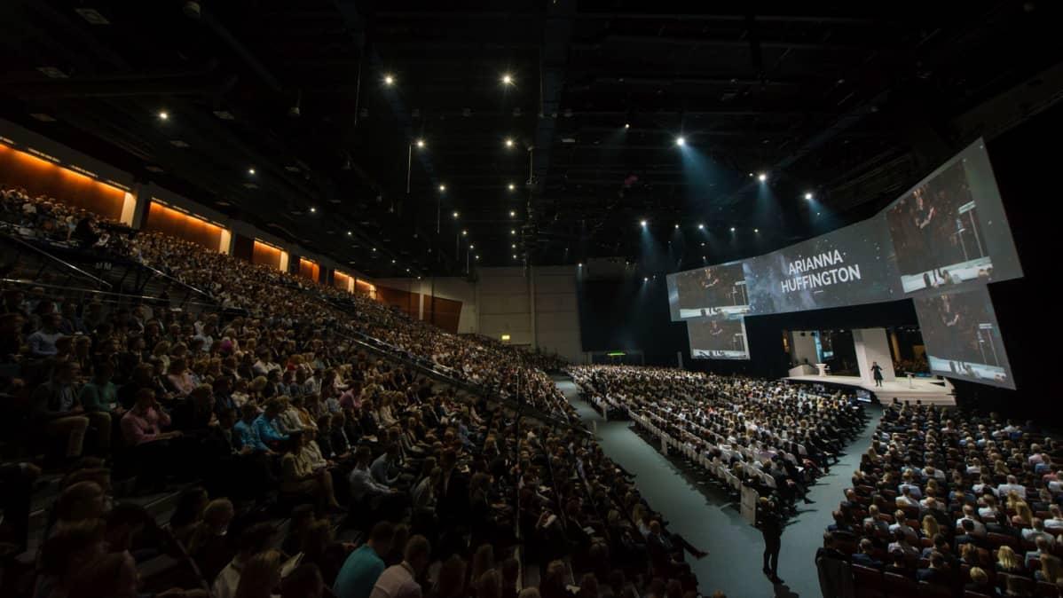 NBF aloitti Jyväskylässä ja muutti Helsingin Messukeskukseen yleisömäärän kasvaessa.