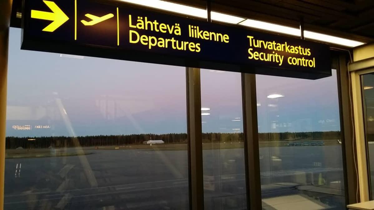 Porin lentoasema lentokenttä tyhjää