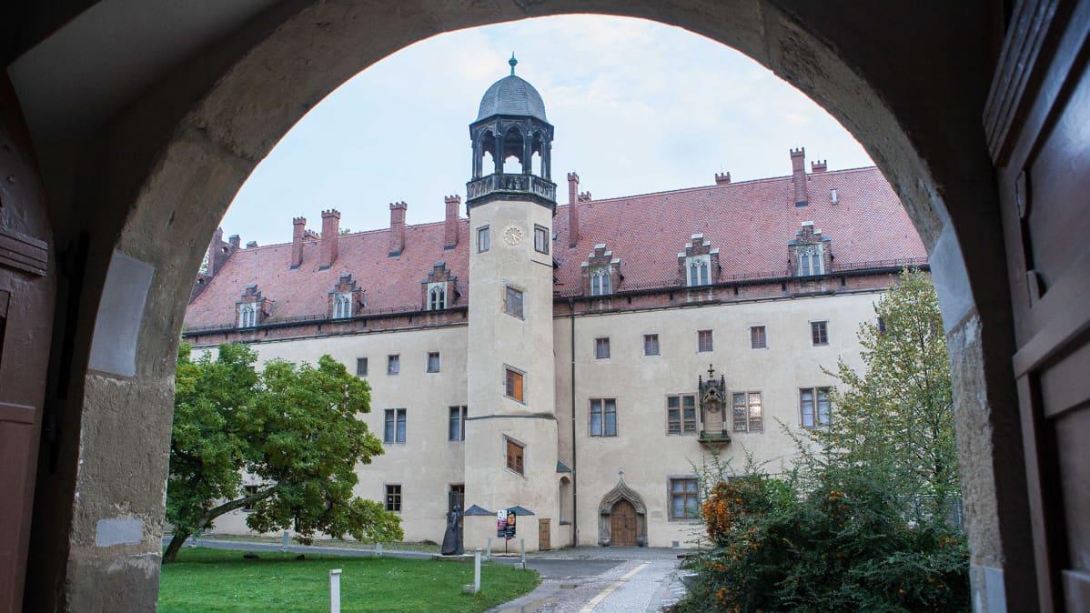 Wittenbergin Luther-museo sijaitsee talossa, jossa Martti Luther asui perheensä kanssa reformaation jälkeen. Sitä ennen rakennus oli luostari.