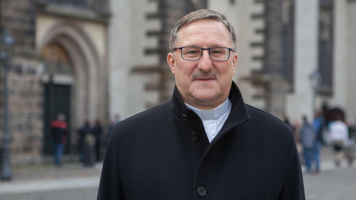 Wittenbergin tuomiorovastin Christian Beuchelin mielestä myös Lutherin pimeästä puolesta pitää puhua.