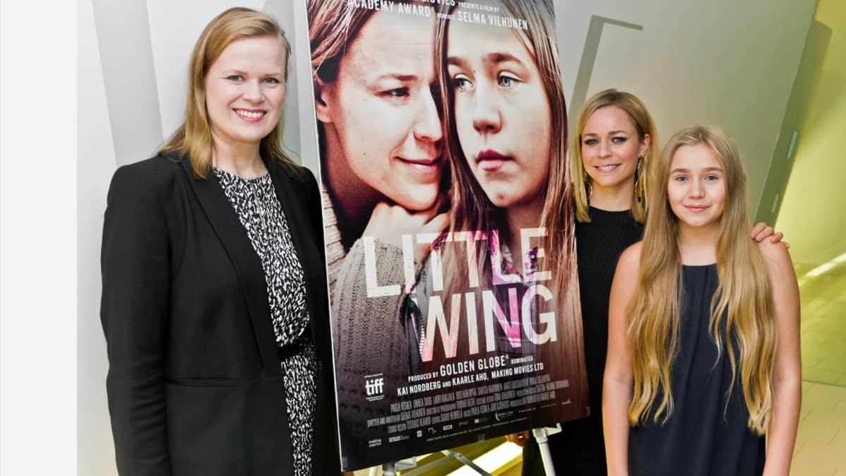Selma Vilhunen, Paula vesala ja Linnea Skog