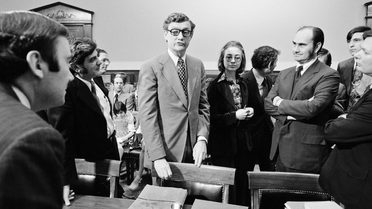 Hillary Rodham nuorena asianajajana Watergate-oikeudenkäynnissä Washingtonissa vuonna 1974.