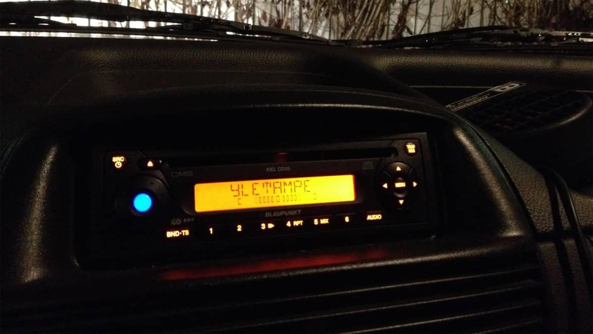 Autoradio on Yle Tampereen taajuudella