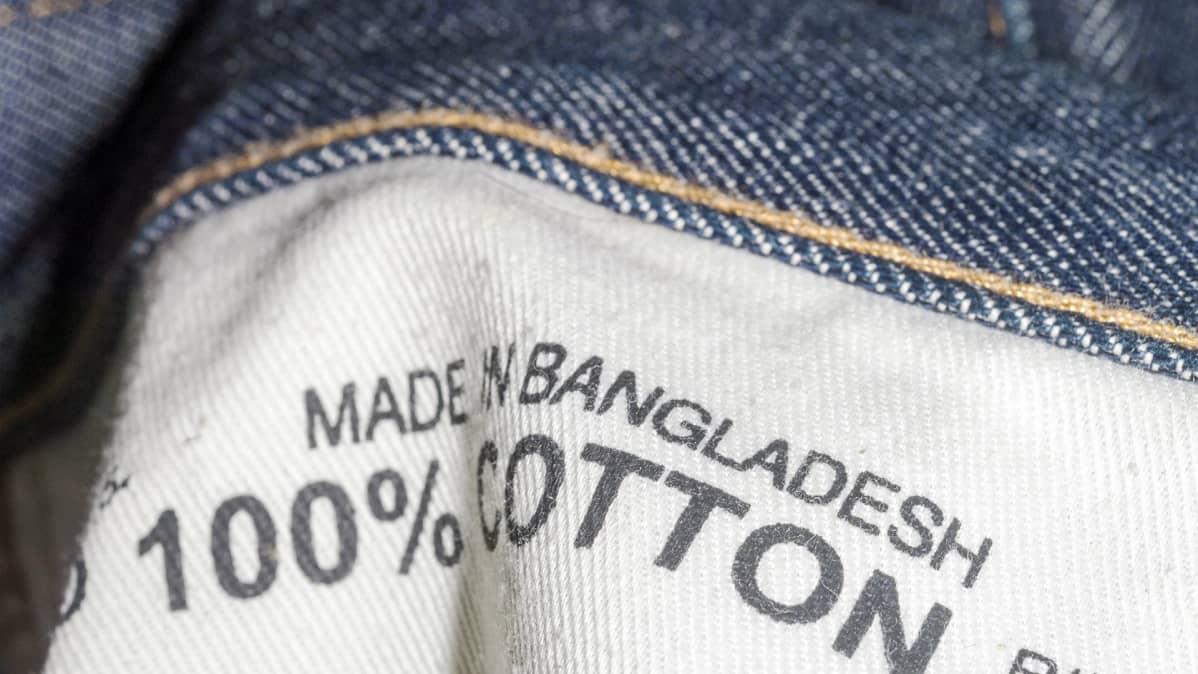 Bangladeshissa valmistetut farkut.