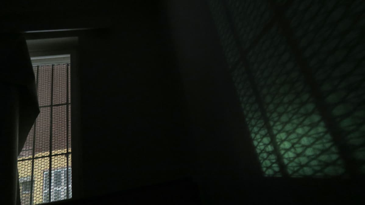 Yö vankilassa.
