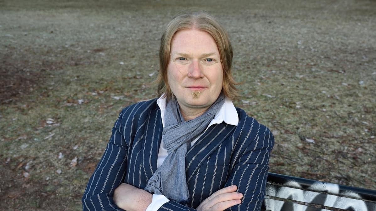 Demokraatti-lehden päätoimittaja Mikko Salmi