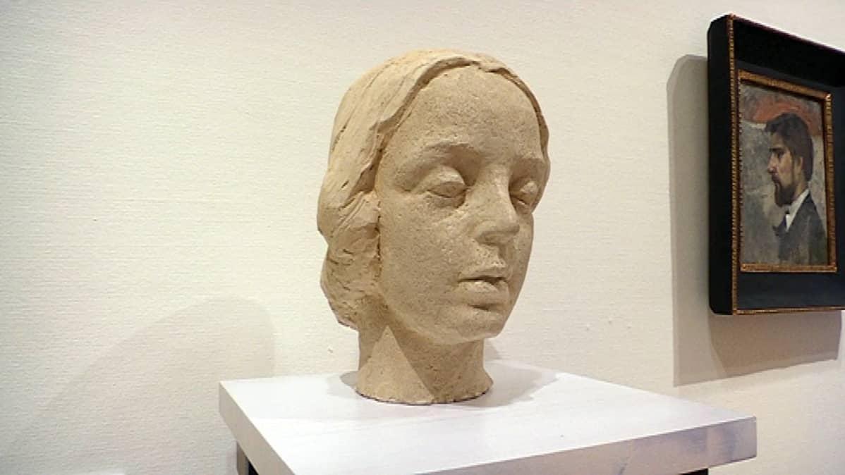 Eva Gyldén naisen pää veistos