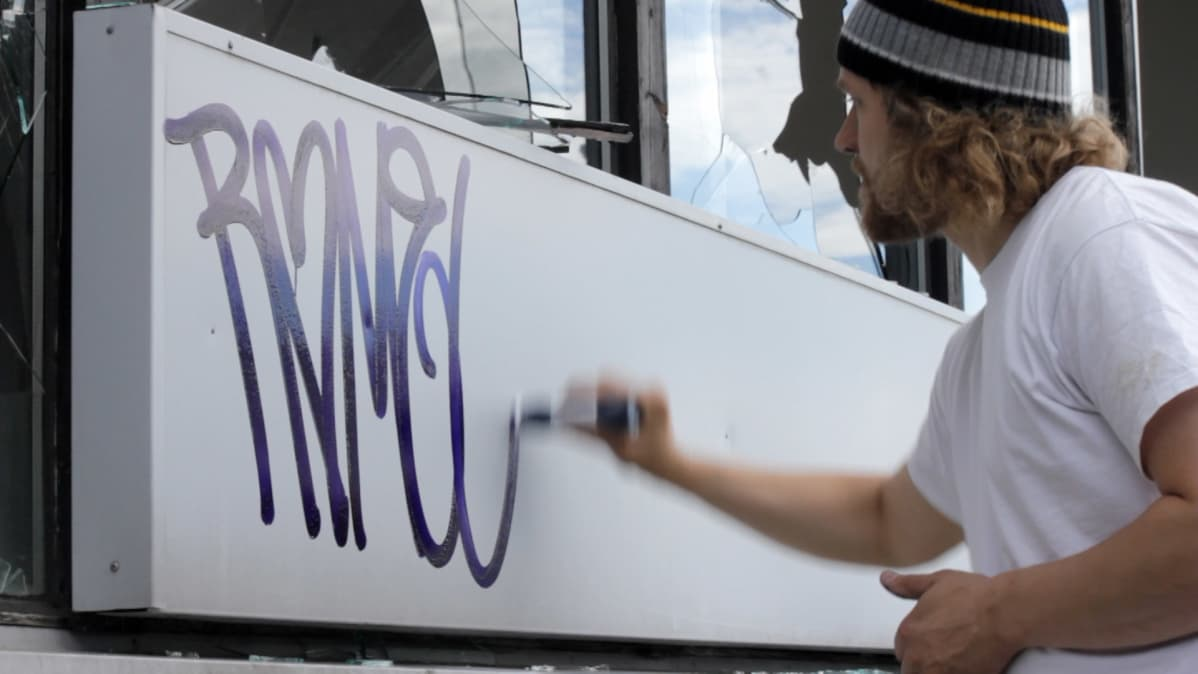Uudet Diktaattorit stadilaisen Graffitin arkeologia 1986-2010