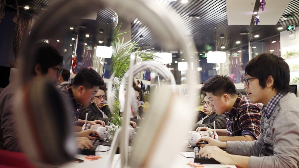 Kiinalainen nettikahvila Pekingissä.