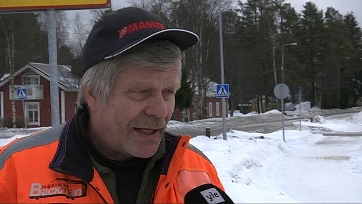 Iiläinen Reijo Backman.