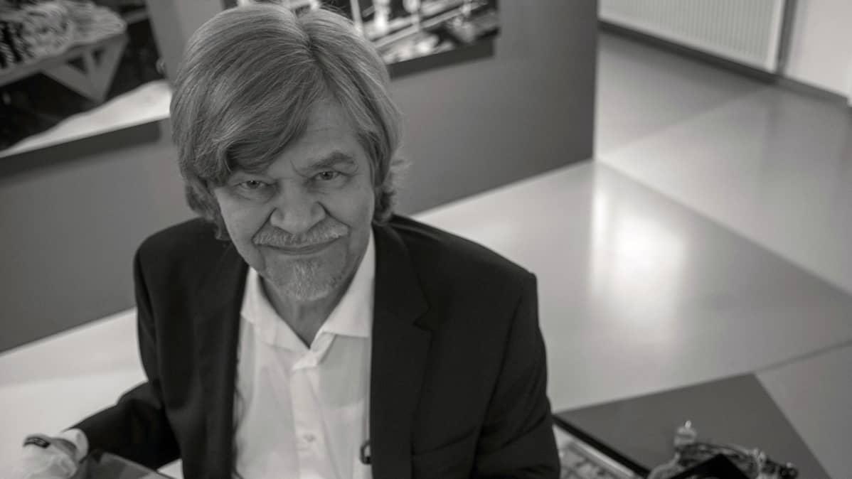 ,auri Antero Numminen kirjoitti kirjan Jazz meining.