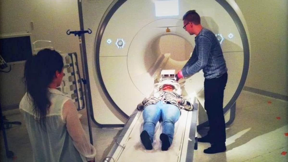 MRI_magneettikuvataan äänihuulia