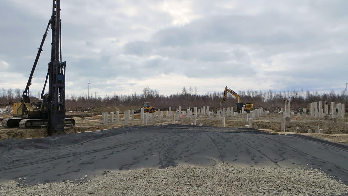 Lapin Kumi Oy:n rakennustyömaa Kemin Karjalahdella.