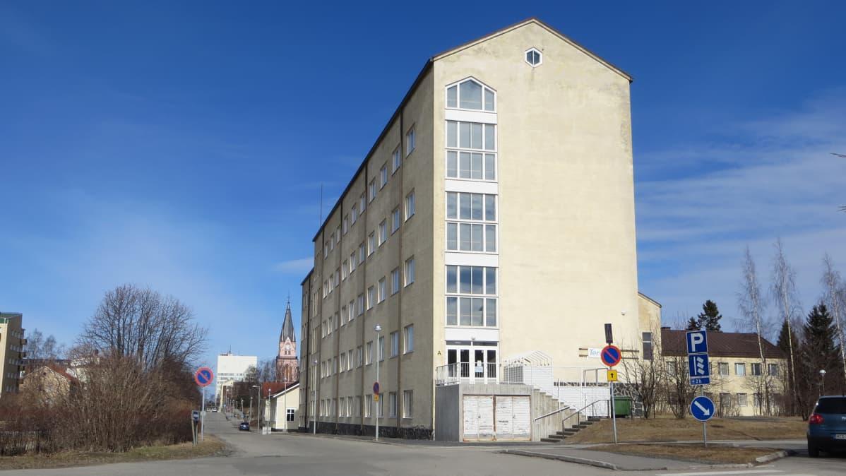Lapin ammattikorkeakoulun terveysalan rakennus Kemissä.