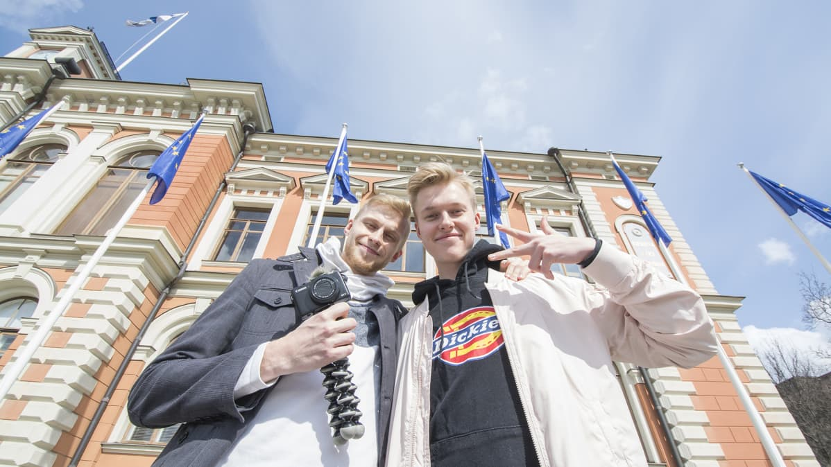 Tubettajat Roni Back ja Miklu Kuopiossa.