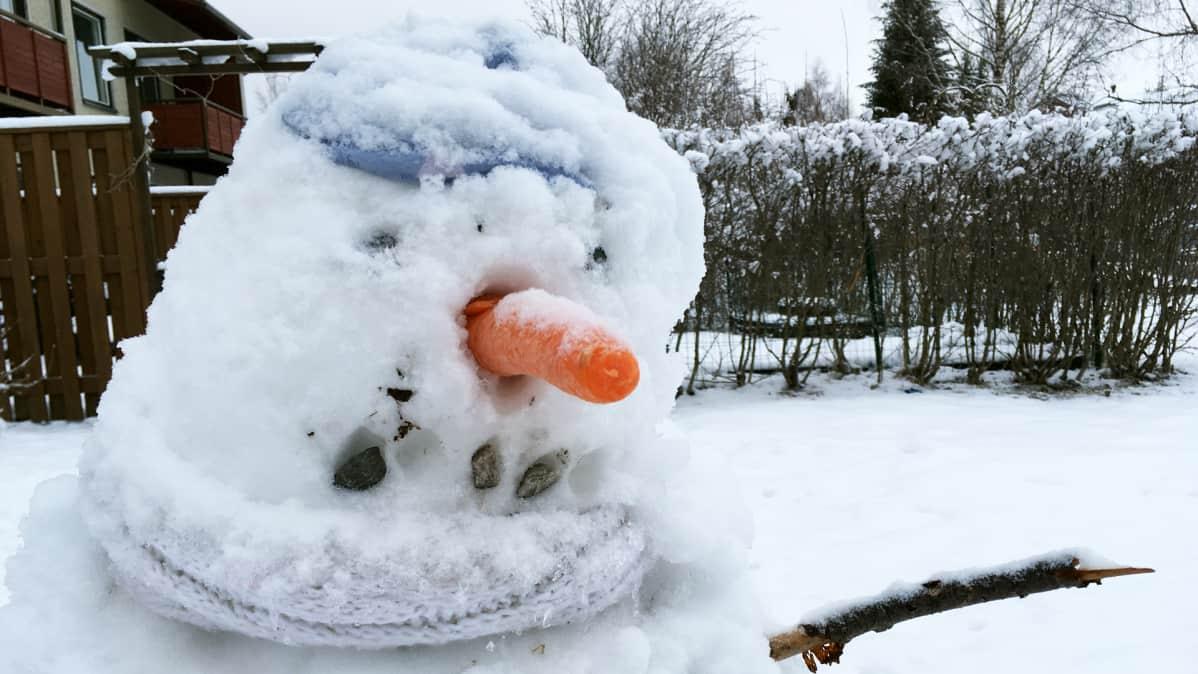 Lumiukko.