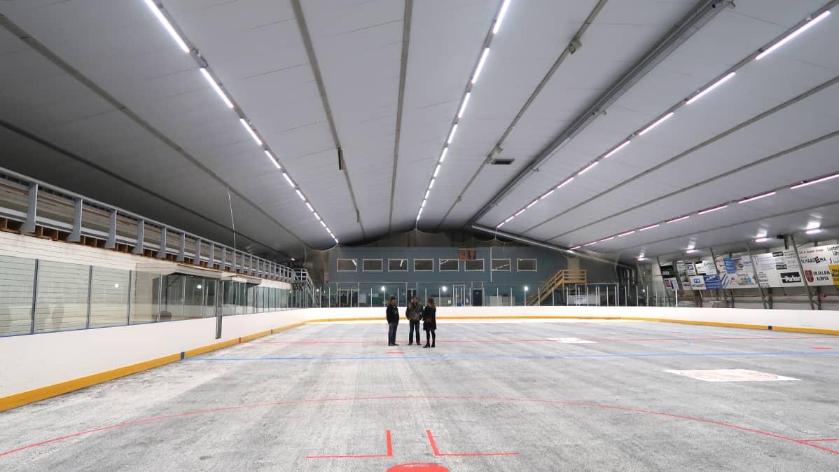 Urjalan jäähalli sisältä.