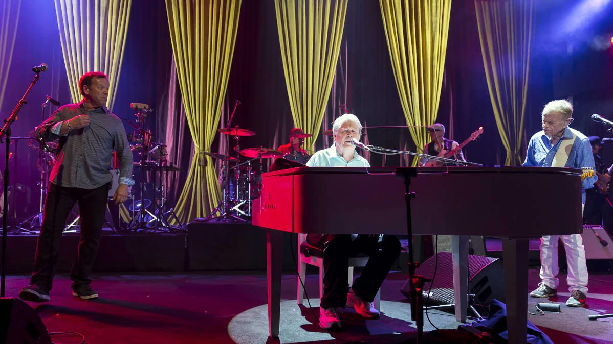Brian Wilson esiintymässä Montreuxin Jazz Festivaaleilla heinäkuussa 2017.