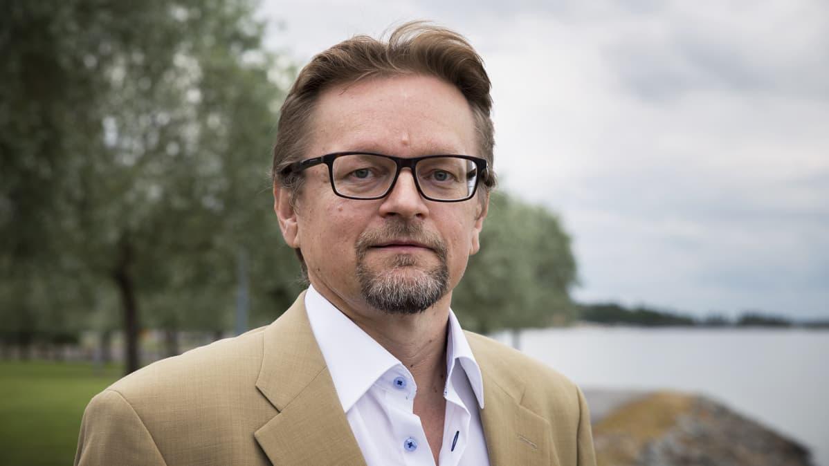 Professori Timo Rothovius.