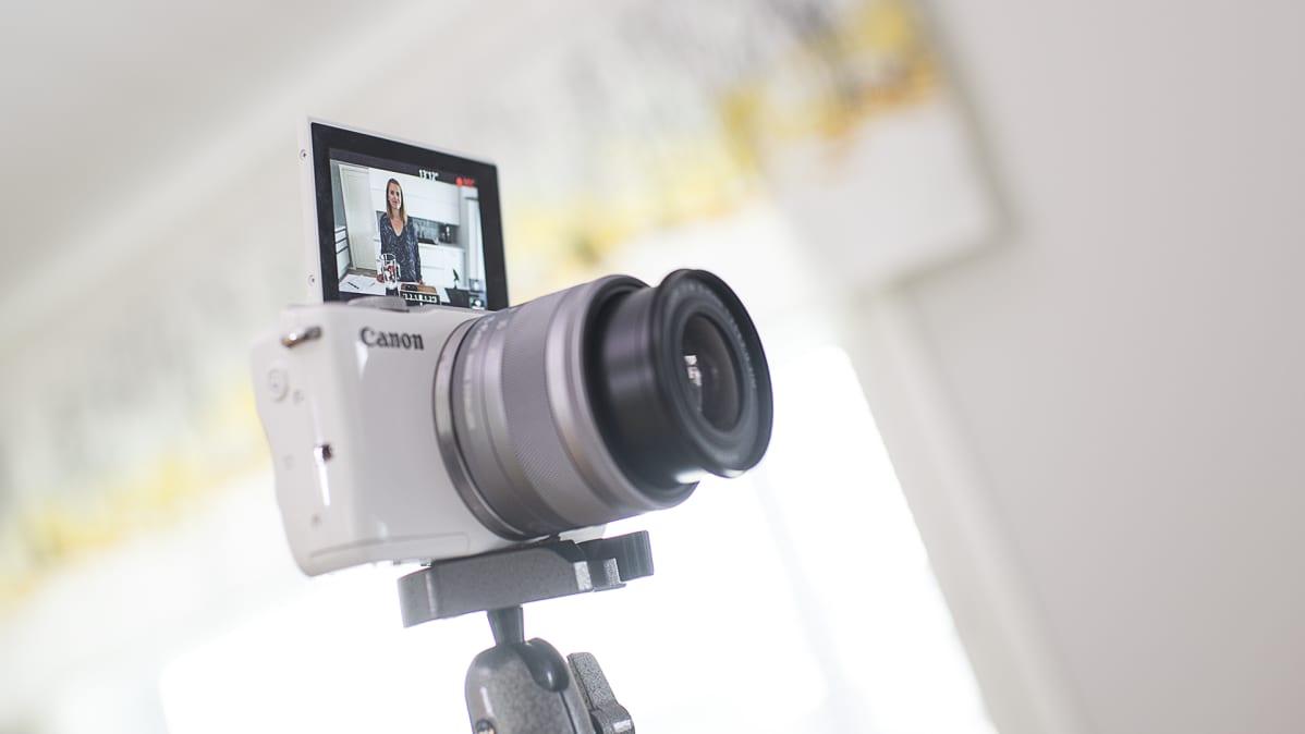 Kamera kuvaa Janita Koljosta.