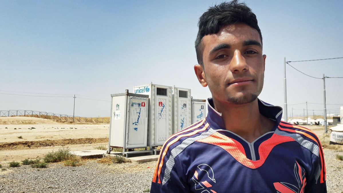 16-vuotias Amir Ibrahim Khaled, joka joutui käymään Isisin koulua ja oli heidän vankinaan.
