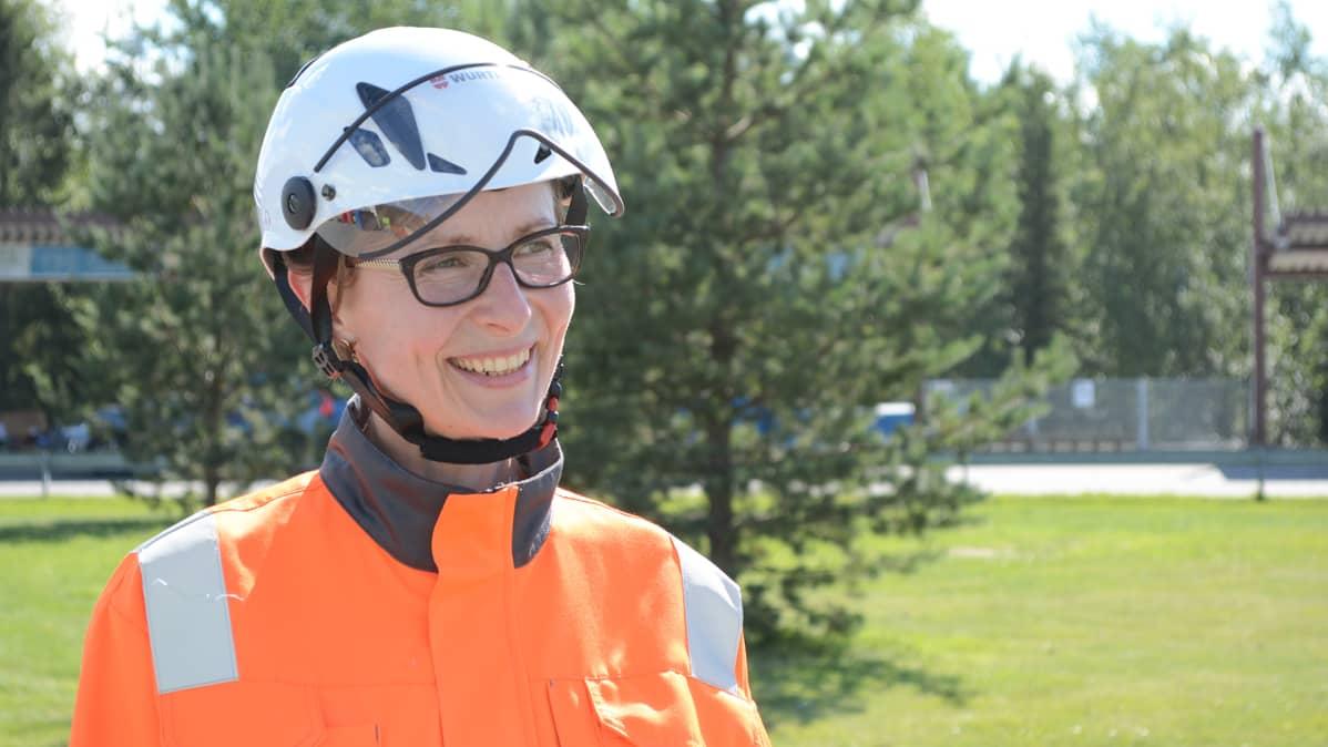 Oulun jätehuollon tiedottaja Anne-Maria Vesa