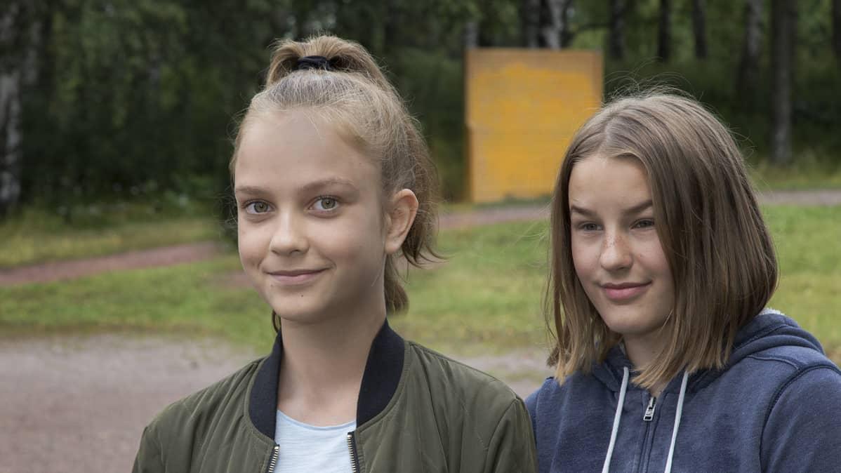 Iiris Riikonen ja Irene Oksanen.