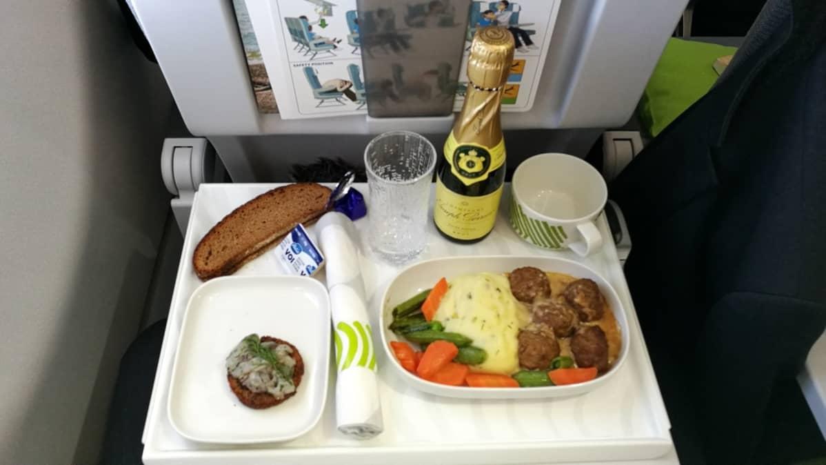 finnair business ruoka euroopan lento amsterdam