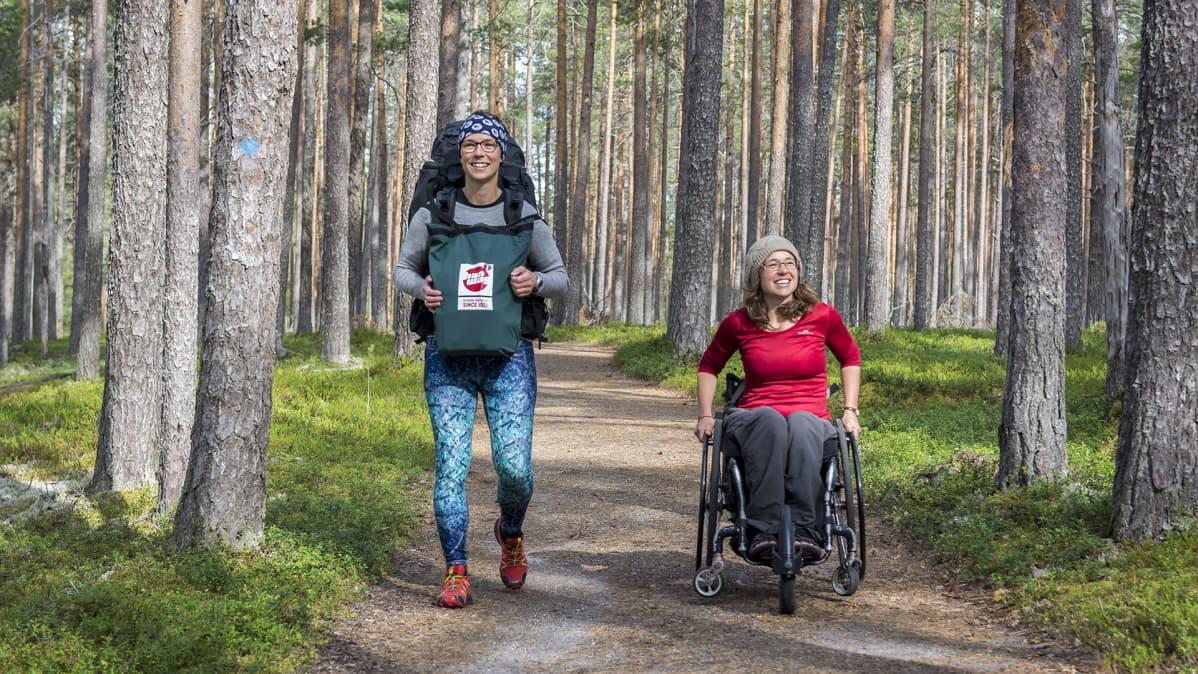 Sasa Dolinsek ja Helen Smith Rokuan kansallispuistossa