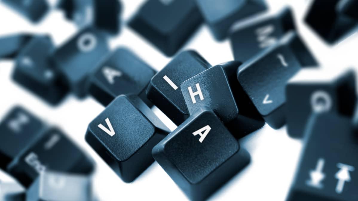 tietokoneen näppäimiä