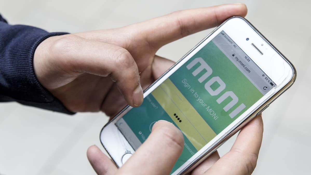 kännykkässä maksukortti